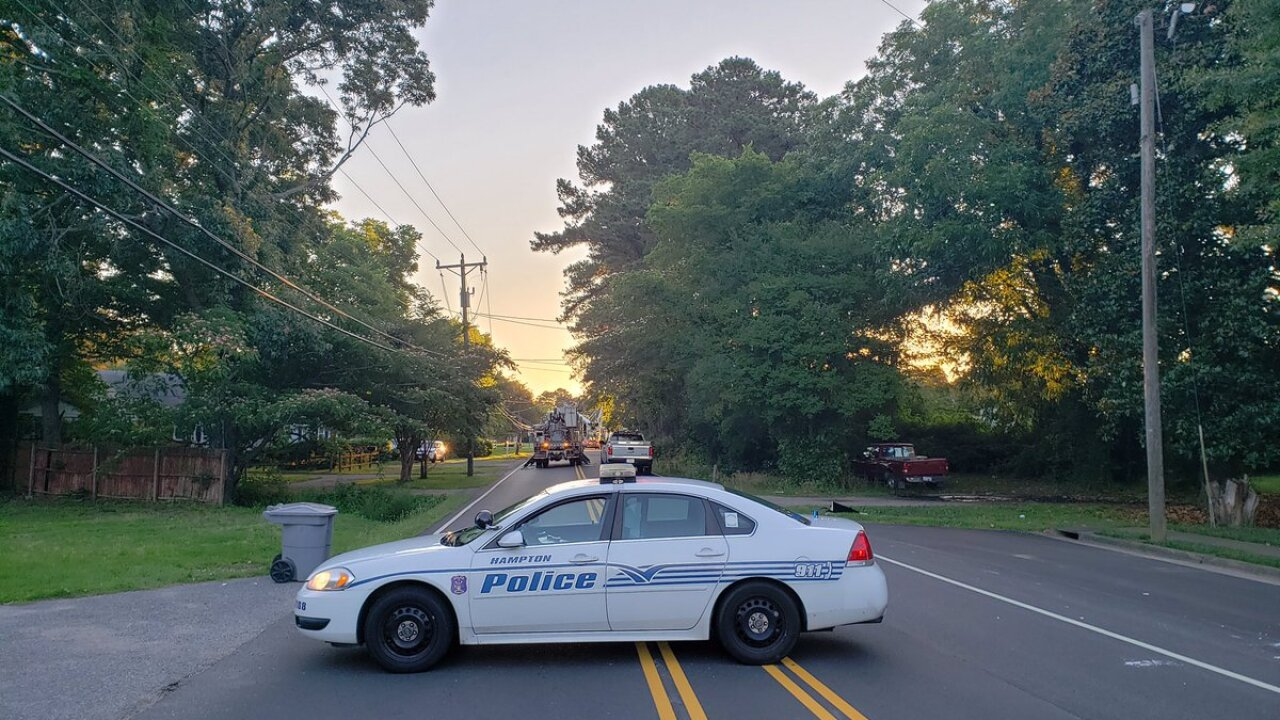 Vehicle crash causes hundreds of power outages in Hampton Friday morning