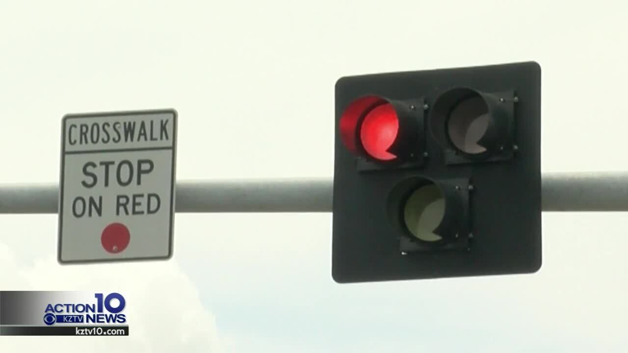 New pedestrian traffic light at Ocean Drive