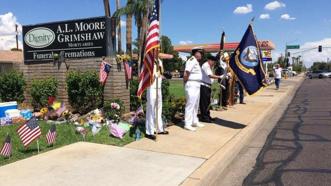 Arizonans pay tribute to Senator John McCain
