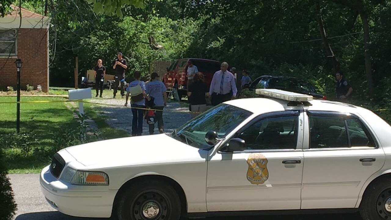 Body found on Indy's NE side