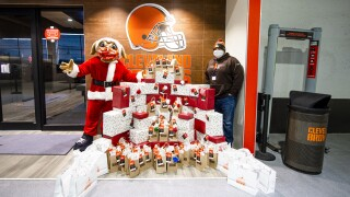 Joel Bitonio holiday event Browns