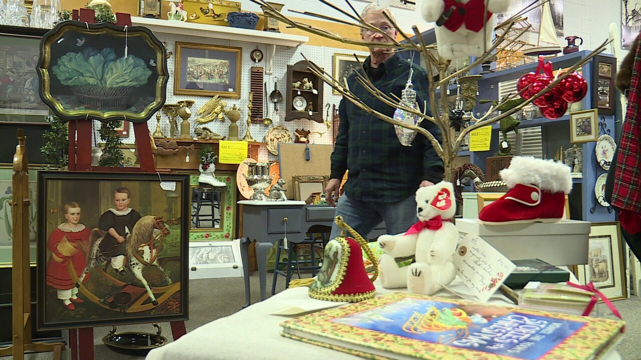 Midlothian antiques shop collects gifts for veterans on Small BusinessSaturday