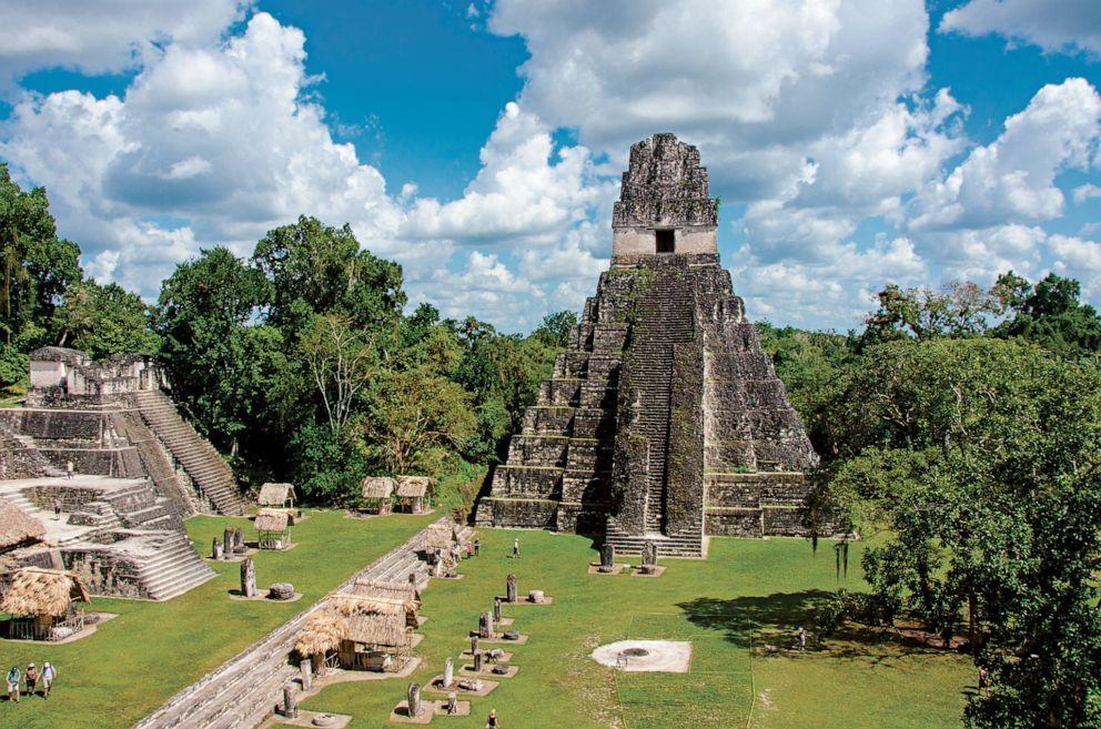 Temple of great jaguar towers.jpg
