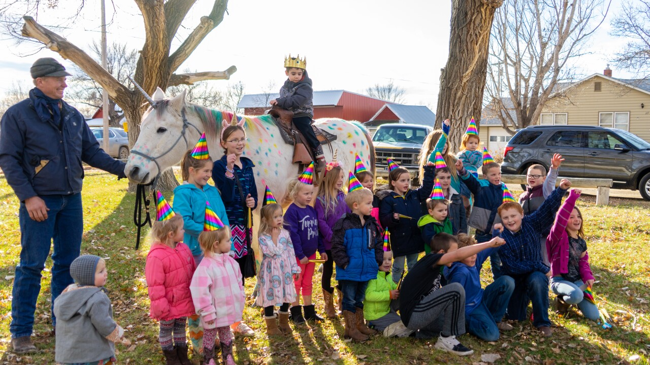 Class sends Montana boy off to cancer treatment on a unicorn