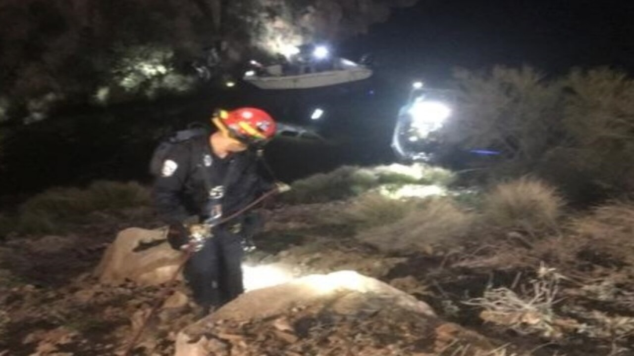 FD: 8 people injured near Canyon Lake