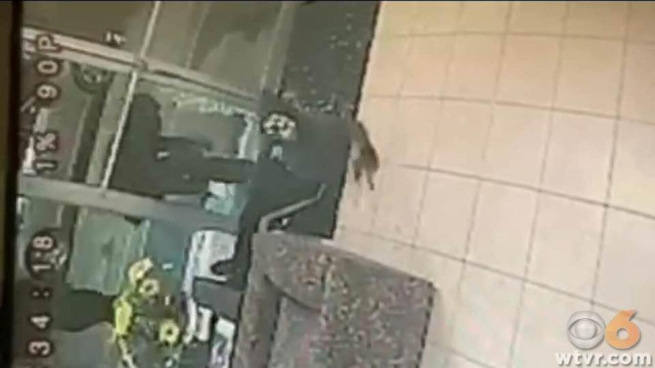 Gunman shoots clerk inside Virginia motel offI-95