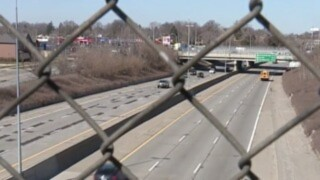 Weekend closure of westbound I-696 in Oakland County cancelled, MDOT says