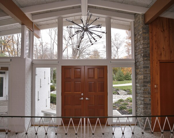 Home Tour: This Anderson Twp. mid-century modern is like a permanent vacation home