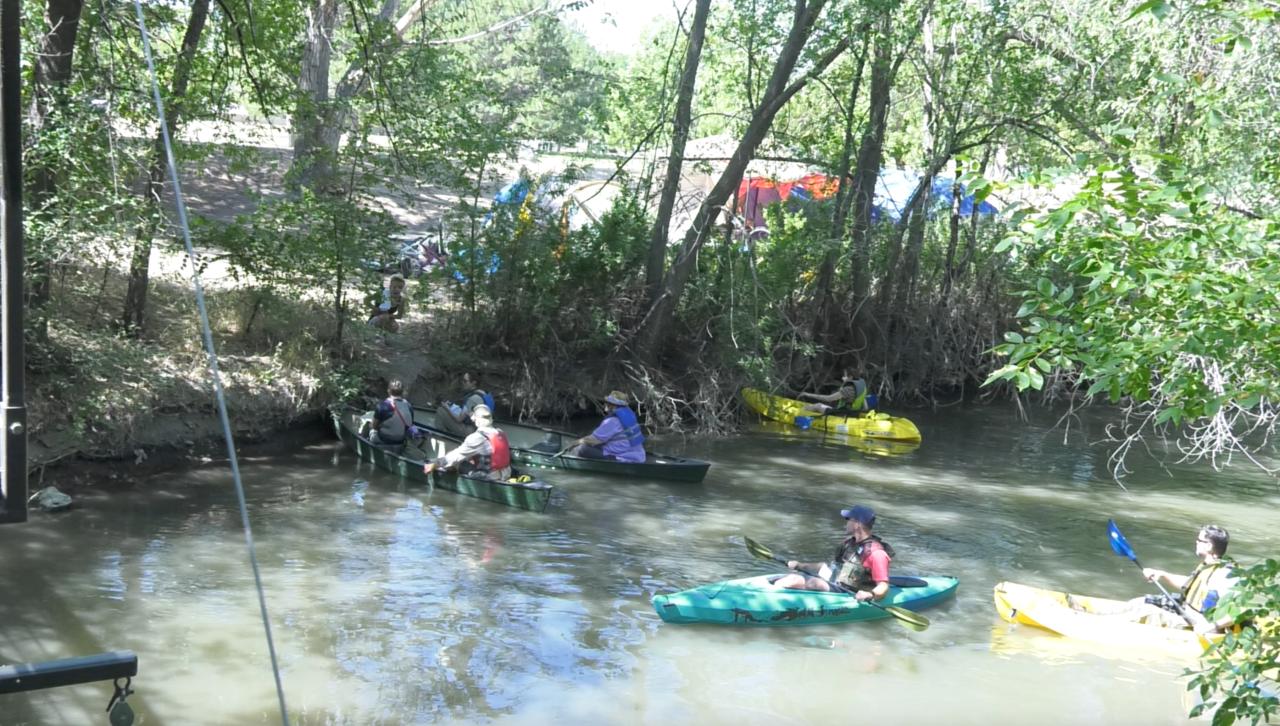 Kayak Court