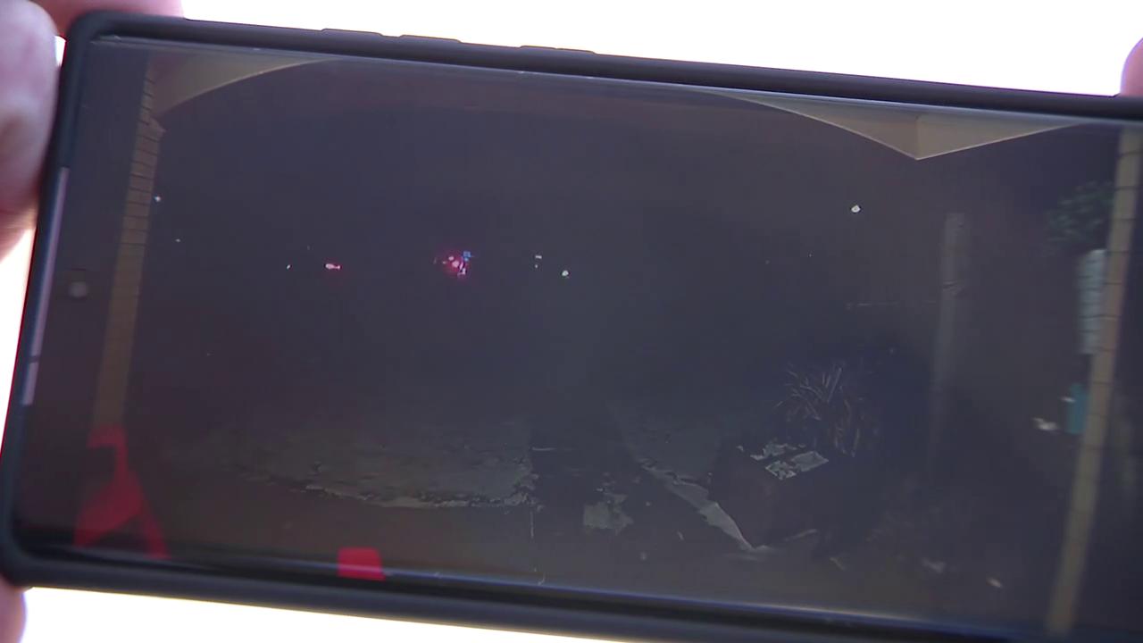 Car theft caught on camera
