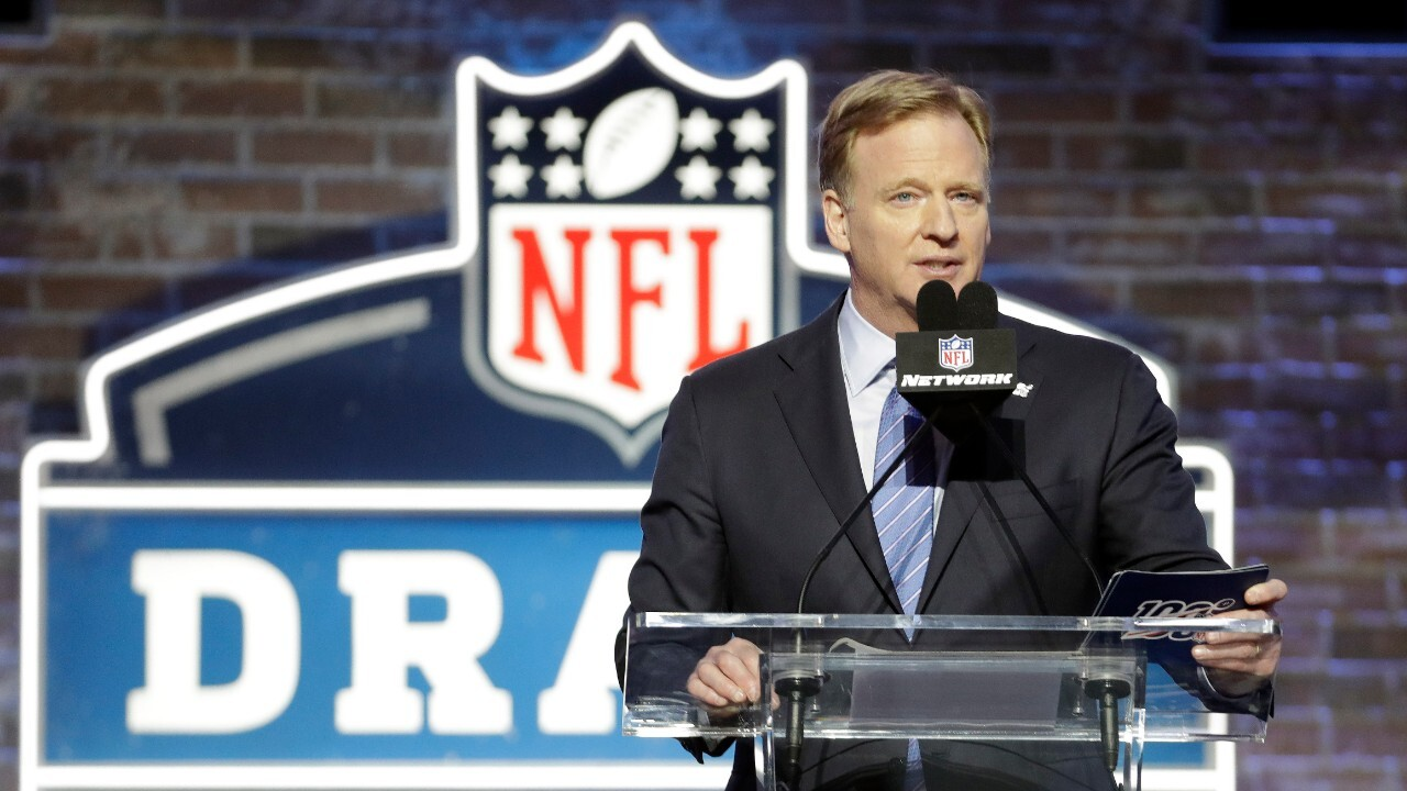 NFL extends virtual offseason, opts against in-person minicamps through June