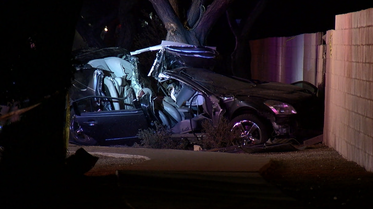 4 seriously hurt in crash near 32nd St. and Cactus Rd.
