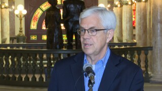 Gov candidate Cooney proposes pledge to discourage big money in campaign