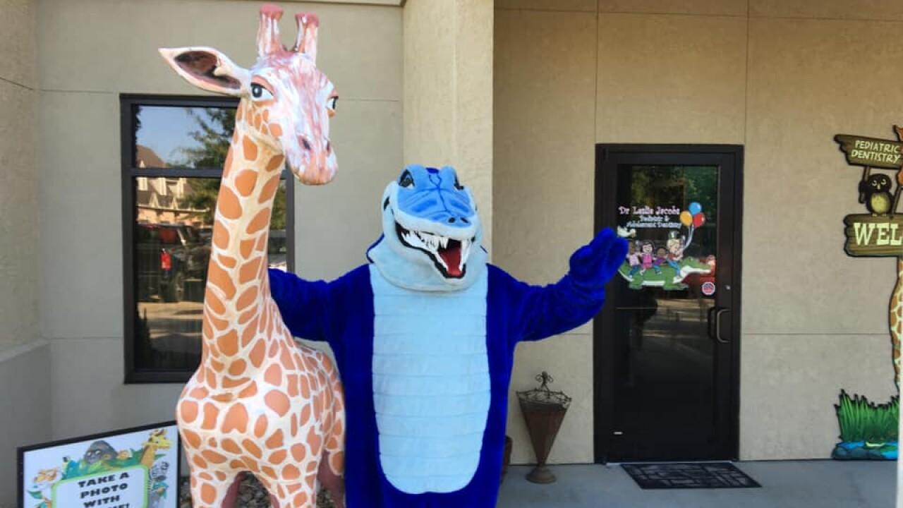 gracie giraffe.jpg