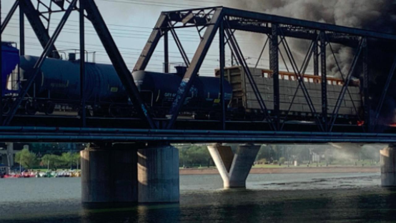 Tempe train