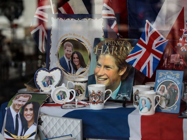 PHOTOS: Royal Wedding preparations and watch parties