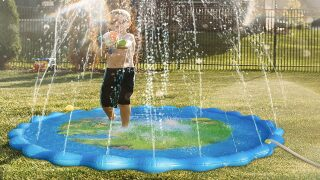 Get a sprinkler splash pad for $11 on Amazon right now