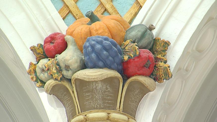 Ornamentation in the Dayton Arcade rotunda