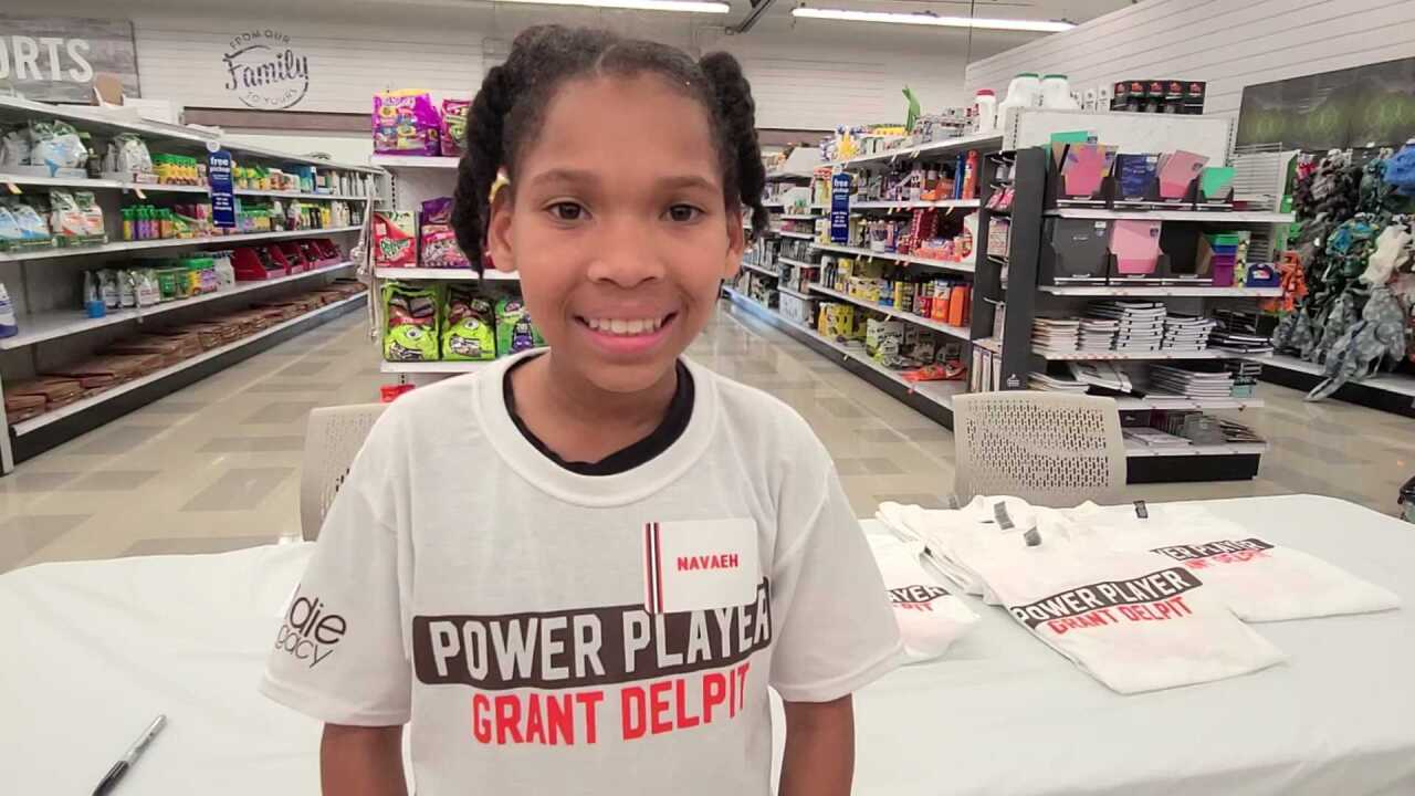 Neveah Browns give back
