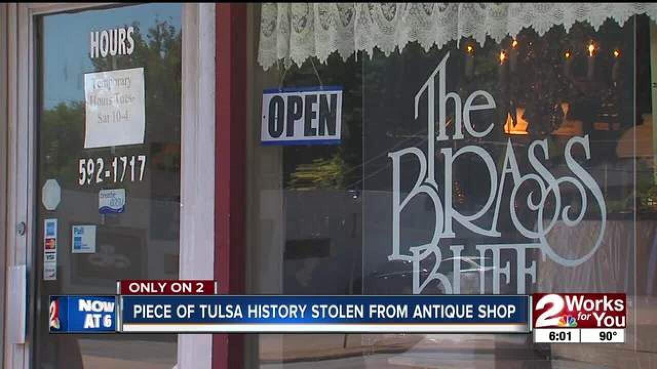 Thieves steal Tulsa history from antique shop