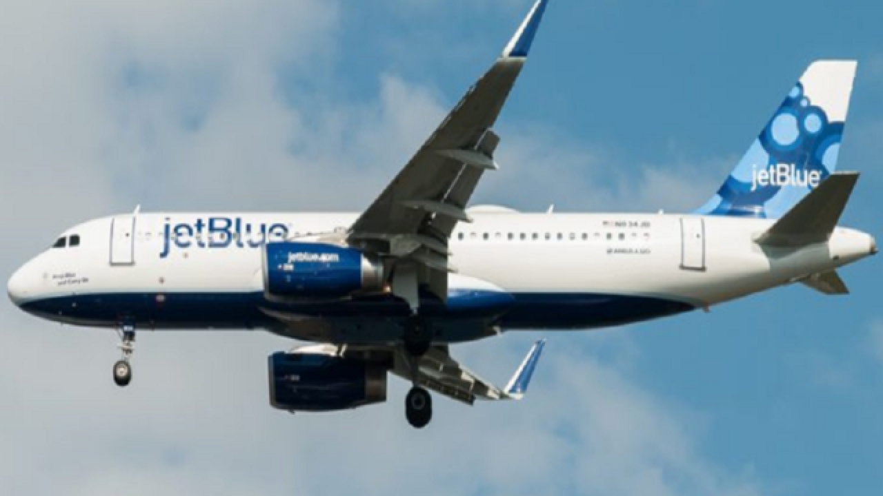 JetBlue employee who fled checkpoint guilty of drug smuggling