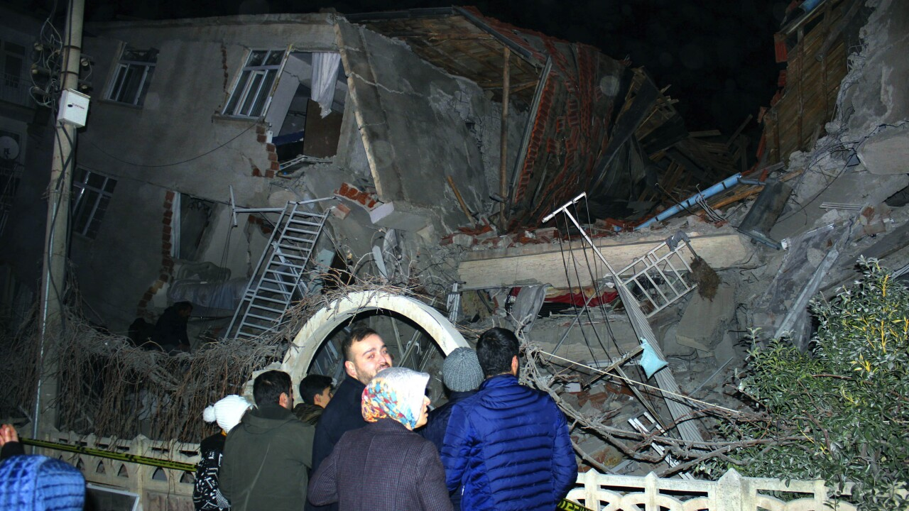 At least 8 dead, 315 hurt as earthquake rocks eastern Turkey