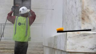 Pressure washer: buy vs. rent with the help of ConsumerReports