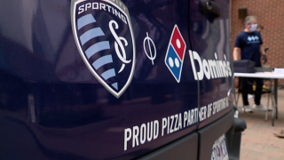 sporting serves pizza