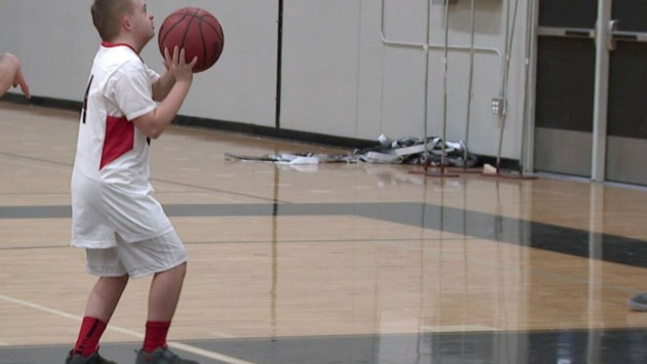 Pomona High School basketball player inspires those around him