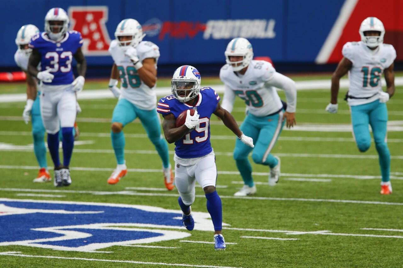 Buffalo Bills receiver Isaiah McKenzie runs for TD vs. Miami Dolphins in January 2021