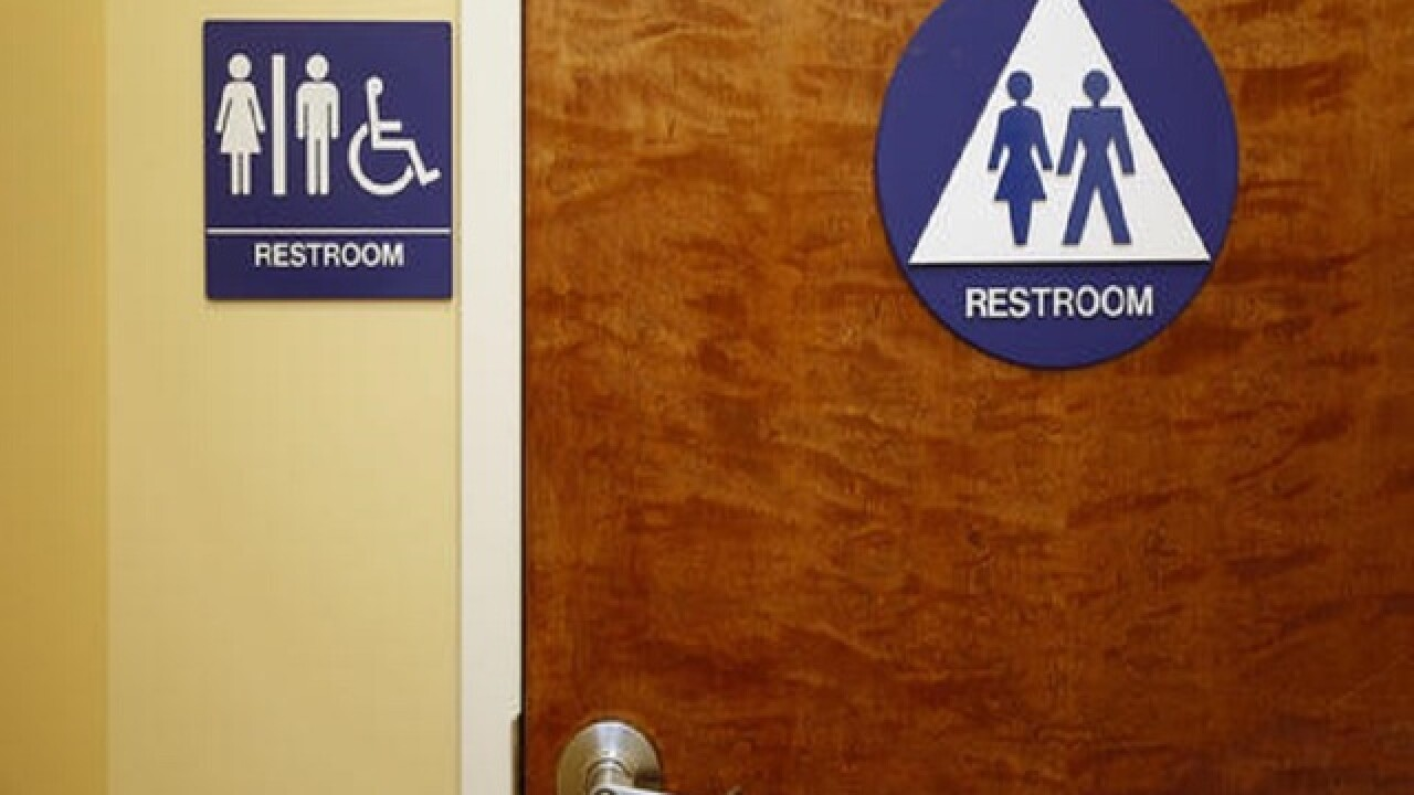 Gender-neutral restroom bill advanced in Calif.