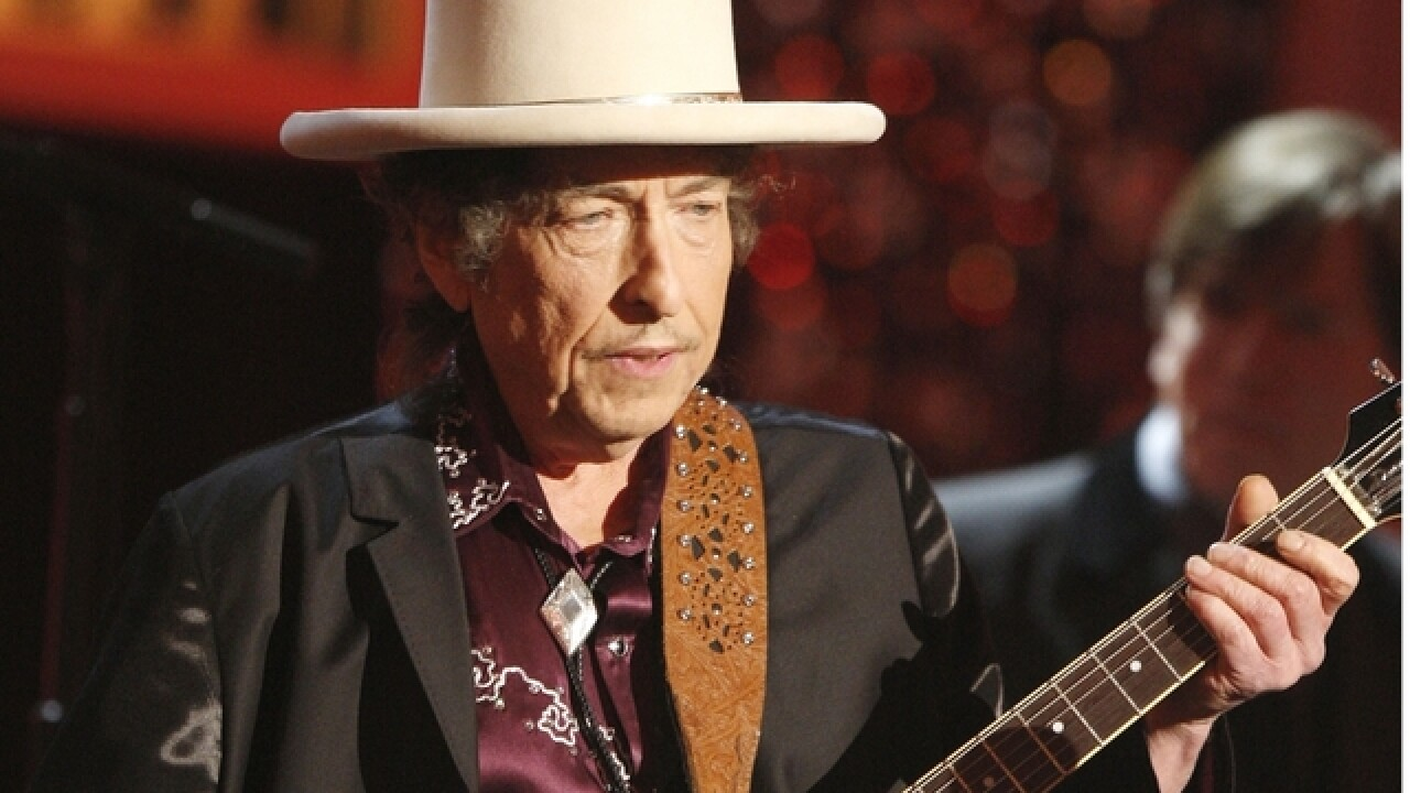 Nobel Prize panel gives up on trying to reach Bob Dylan