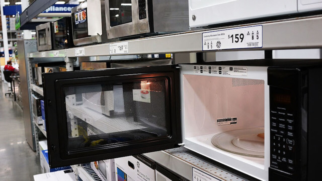 Does microwaving food cause nutrient loss?