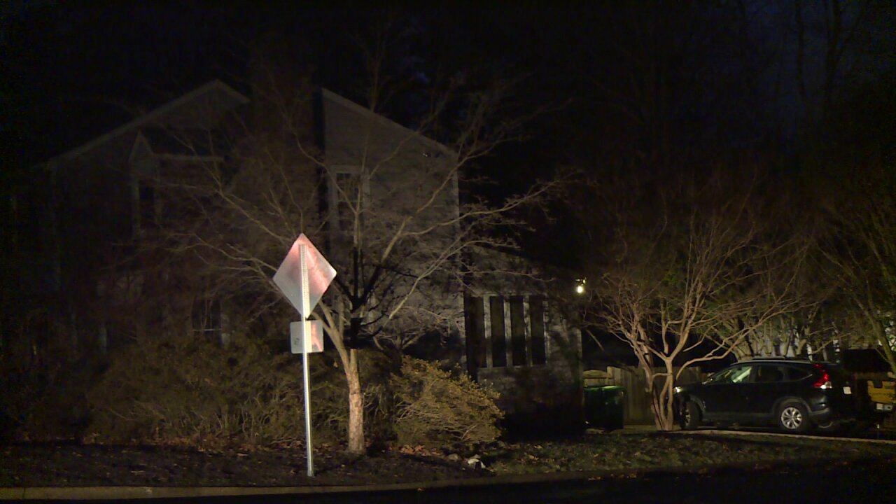 Family escapes Chesterfield house fire