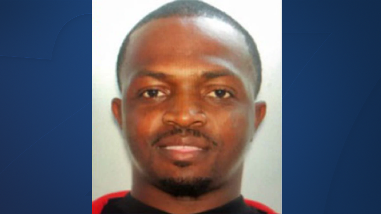 Police searching for suspect accused stabbing man to death at Valdosta nightclub.png