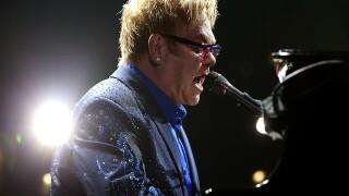 Elton John furiously leaves stage during Las Vegas performance