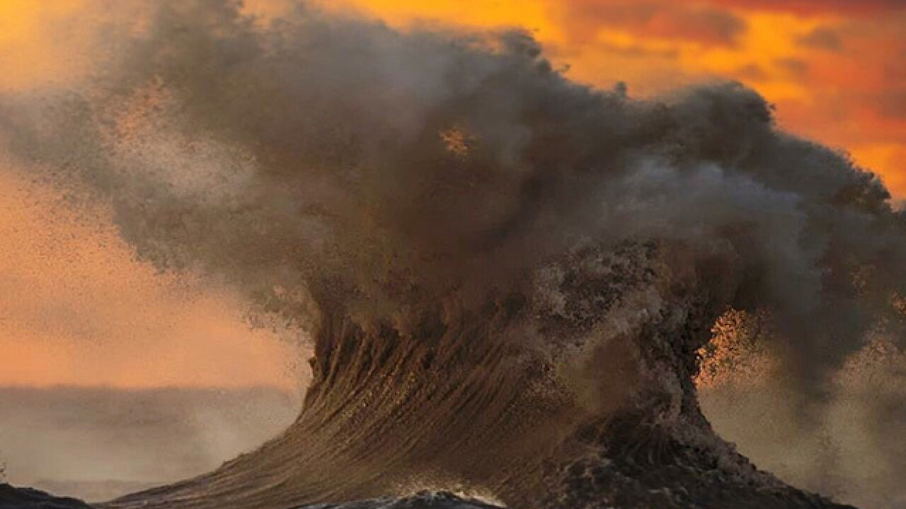 Photographer captures breathtaking 'liquid mountains' on Lake Erie