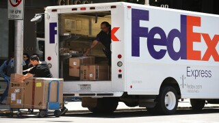 FedEx alerting consumers of text message and email scam