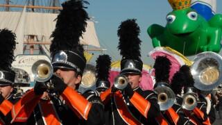holiday bowl parade big bay balloon parade port of san diego_3.jpg