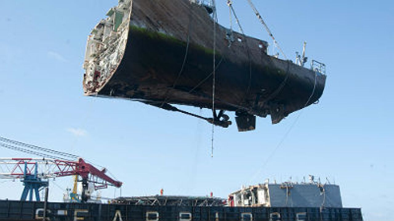 Final piece of grounded USS Guardian lifted from Philippine reef