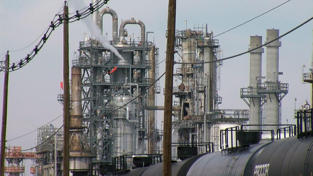 Suncor Refinery in Commerce City, CO
