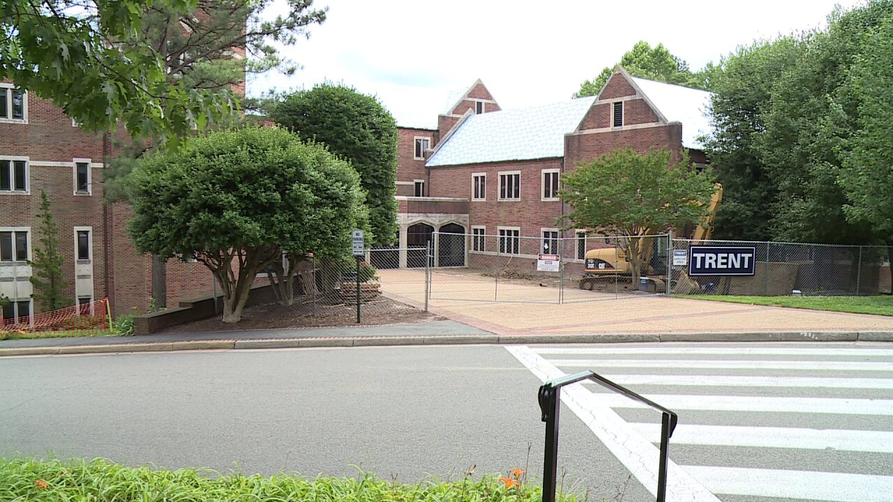 Contractor hospitalized after falling from roof at University ofRichmond