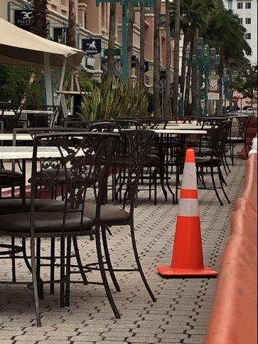 restaurant seating.JPG