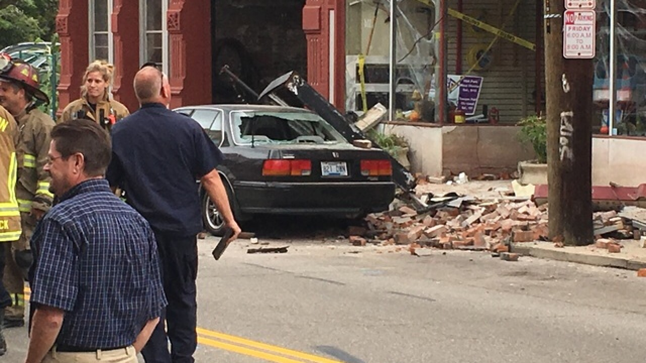 Building collapse reported in Covington