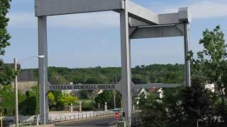 Veterans Memorial Lift Bridge in Kaukauna