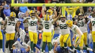 Mason_Crosby_Green Bay Packers v Detroit Lions