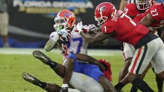 Florida Gators running back Dameon Pierce taken down by Georgia Bulldogs in 2020