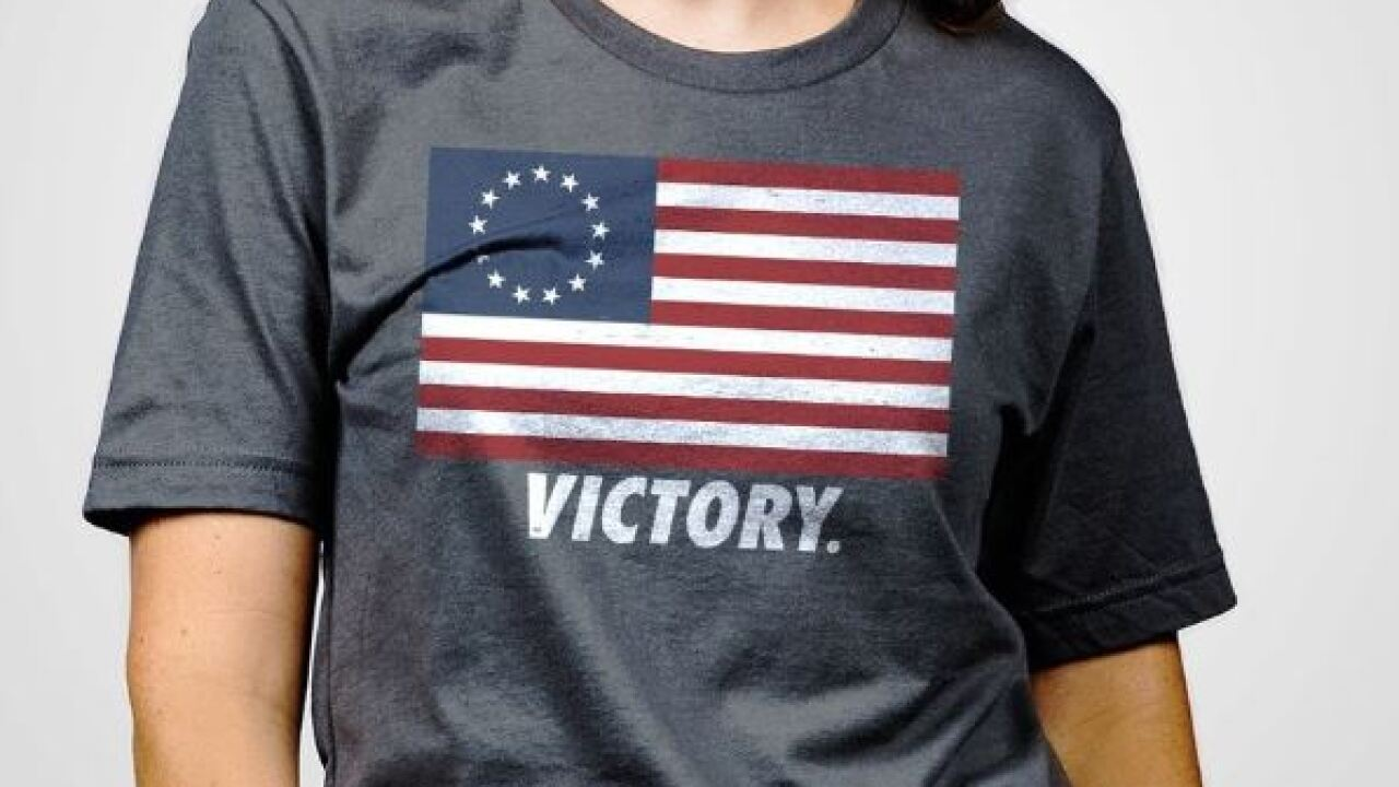metodología Grave inicial  Georgia clothing company calls out Nike, releases t-shirt featuring early American  flag