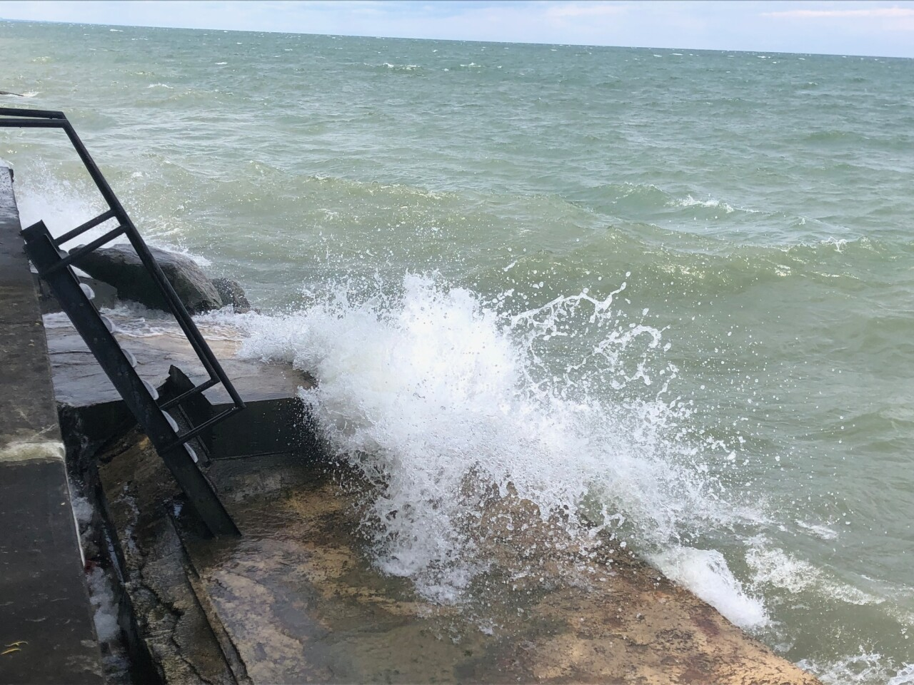 lake erie erosion 2.jpg
