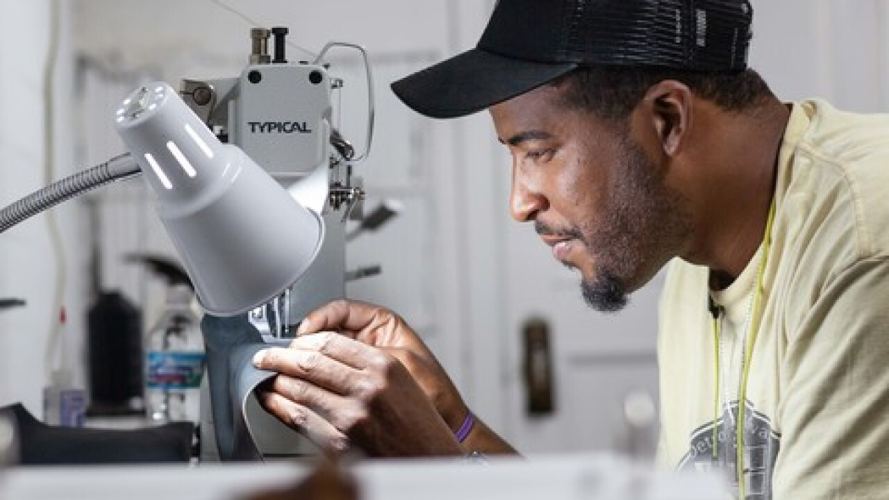 Veterans making sneakers by hand in Detroit